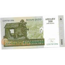 Мадагаскар. 200 ариари. 2004 г. Б-2049